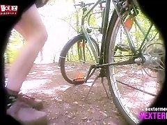 Im Wald gefingert - Hidden Cam