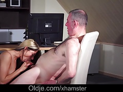 Hot Teen Fucking Old Man Pussy...