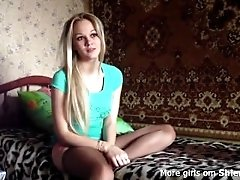 Young sexy teen blonde amateur...