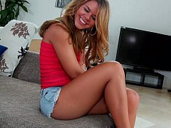 xhamster Elizabeth Bentley showing and...