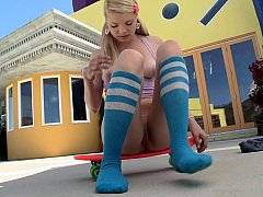 xhamster 18 year old blonde teen showing...