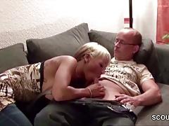 xhamster Vater fickt die Freundin seiner...